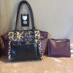 Liz Claiborne burgundy/cheetah purse w/ makeup bag